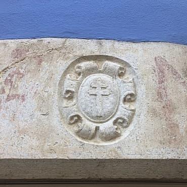 Escut Priorat de Sta.Anna.